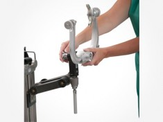 Mounting an Aluminum DORO® Skull Clamp on Cervical Management Base Unit